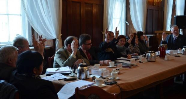 Głosowanie nad budżetem, foto.: UM Paczków