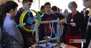 Pokaz druku 3D podczas Festiwalu Nauki w paczkowskim Zespole Szkół. Foto: ZS Paczków