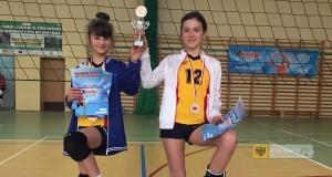 Julia Osiadacz i Alicja Patkowska w finale krajowym turnieju Kinder + Sport