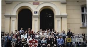 Uczniowie i kadra nauczycielska Liceum Ogólnokształcącego w Paczkowie