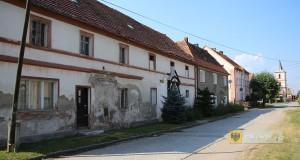 Przeznaczona do przebudowy droga w Wilamowej by Ralf Lotys (Sicherlich), CC BY 4.0, https://commons.wikimedia.org/w/index.php?curid=47762039