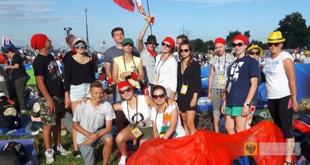 Grupa pielgrzymów z Gościc, Dziewiętlic i Trzeboszowic na Światowych Dniach Młodzieży
