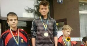 Dominik Mrozek, mistrz województwa opolskiego w biegach przełajowych. Foto: PSP 3