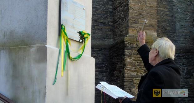 Poświęcenie tablicy upamiętniającej ks. Franciszka Siekierskiego. Foto: Kinga Rajfur
